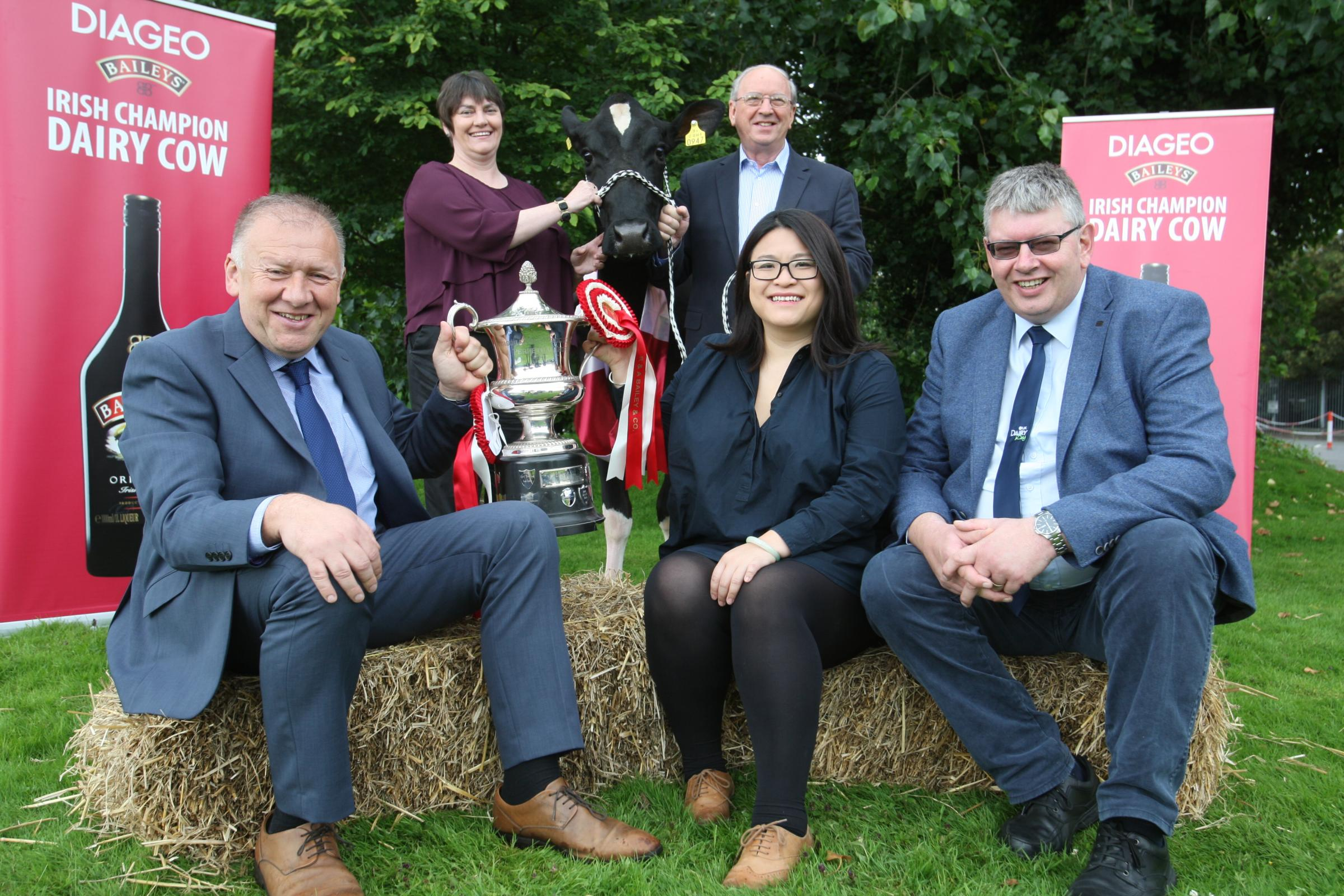 Launching the Diageo Baileys Champion Dairy Cow Competition are(from left); Martin Tynan, Glanbia Ingredients; Mary Gaynor, Virginia Show; Brendan Smyth, Competition Director, Hazel Chu, Diageo Ireland and John Martin, Secretary, Holstein NI.