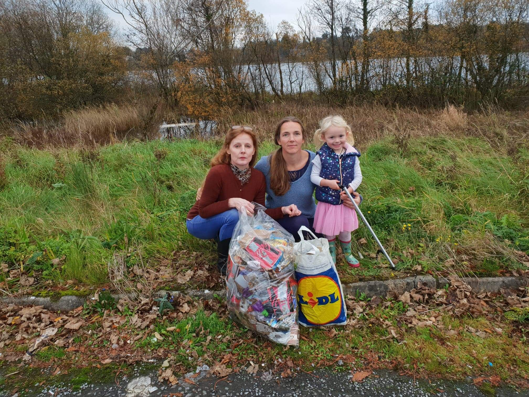 Donna McChesney (right) with her daughter Casey and Lynda Jones who are calling on people to get out an take part in a volunatry litter pick on December 1.